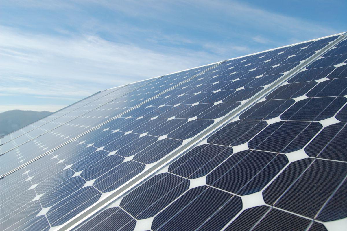 Pannello Solare Tetto Wikipedia : Fotovoltaico a campofranco il comune realizza primo
