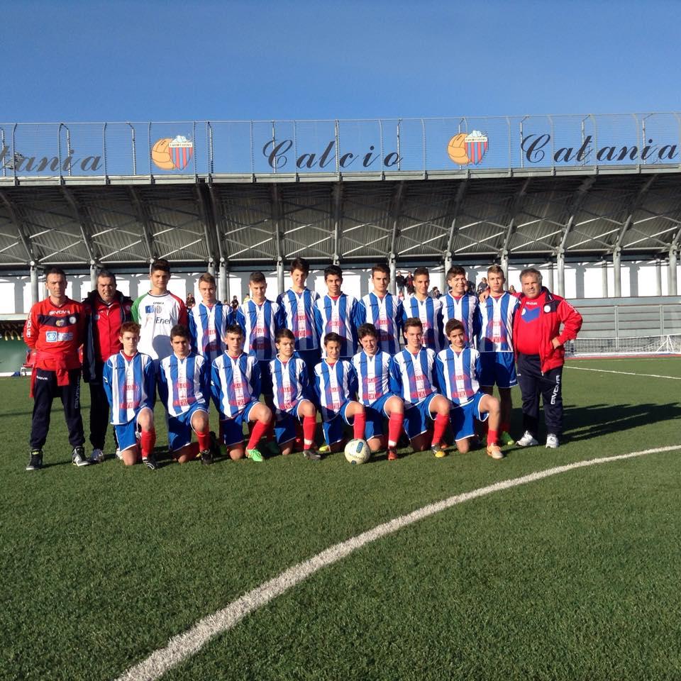 Calcio giovanile i giovanissimi regionali dell athena in visita a torre del grifo - Torre del grifo piscina ...